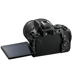 Nikon D5600 with 18-140mm VR Lens Kit DSLR Camera