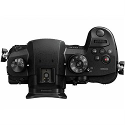 Panasonic Lumix GH5 12-35mm f/2.8 II Lens Kit DC-GH5 Mirrorless Micro Four Thirds Digital Camera